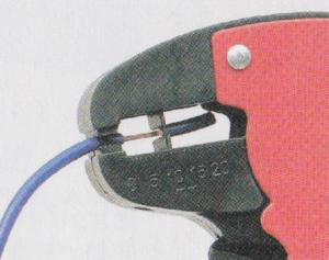 自動型ワイヤーストリッパー