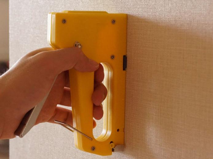 タッカー ベニヤ板、壁紙 貼り付け