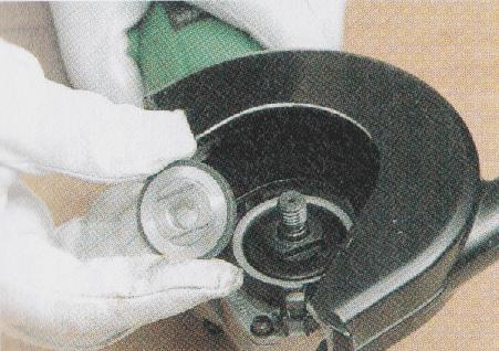 ディスクグラインダー ダイヤモンドホイールへの交換1