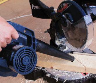 充電式コードレス ブロワー  DIY工事の清掃